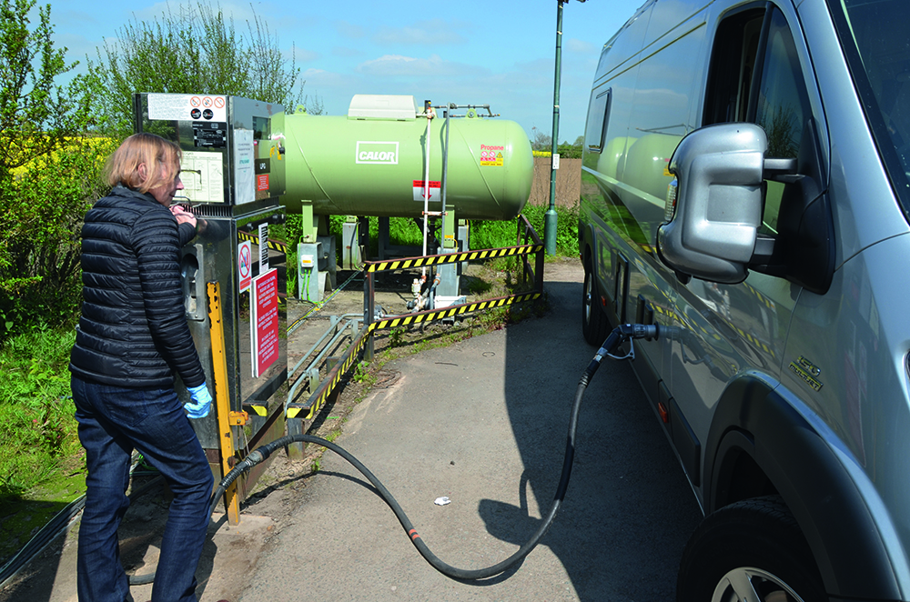 Motorhome advice: Gas tanks or refillable cylinders