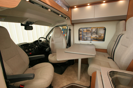 Auto-Trail Tribute Compact T-680 2018 front lounge