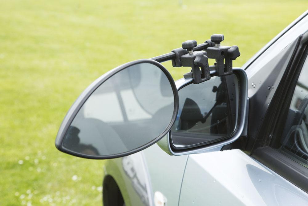 Towing mirrors for a caravan