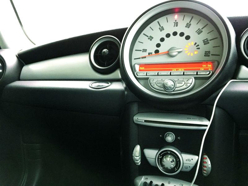 installing digital radio in towcar 6