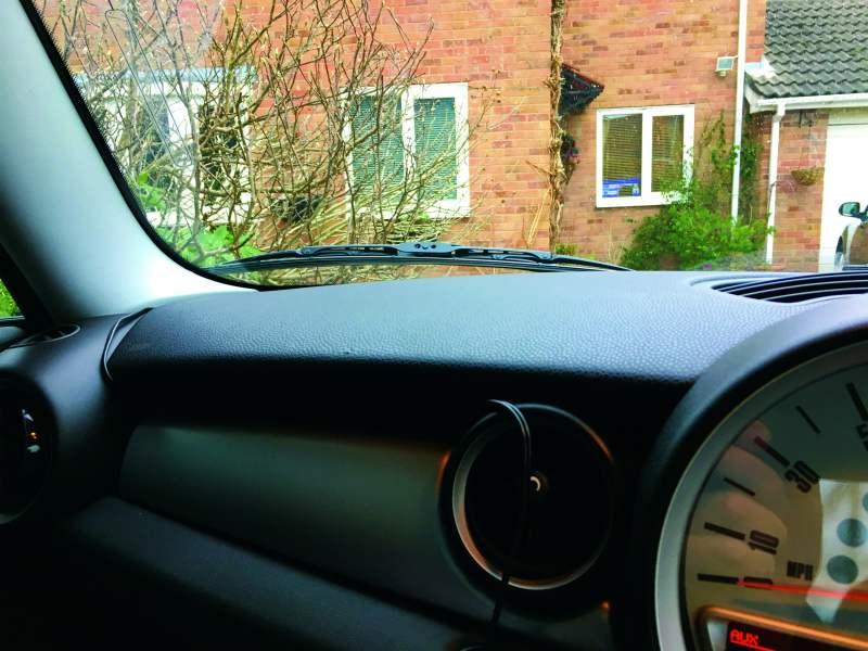 installing digital radio in towcar 3