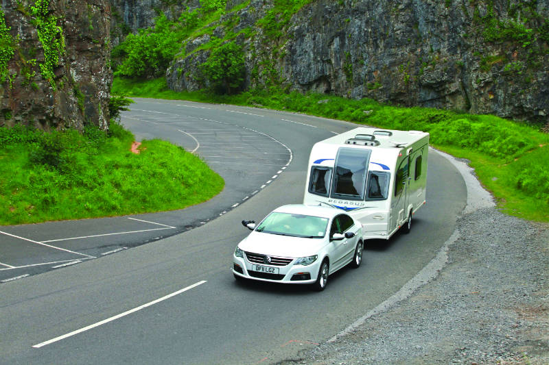Towing a caravan in a gorge