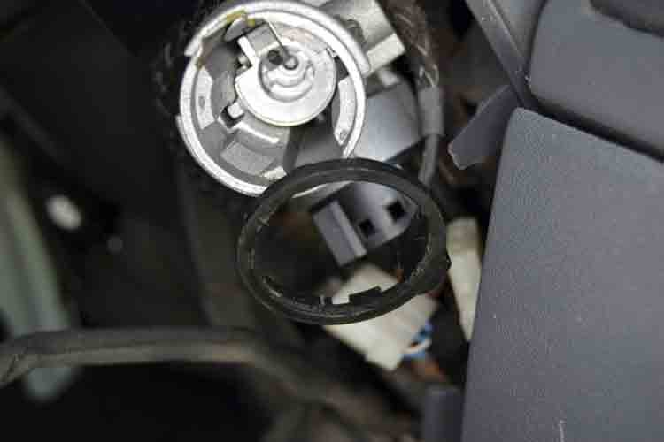 Ducato steering lock image - immobiliser and coil