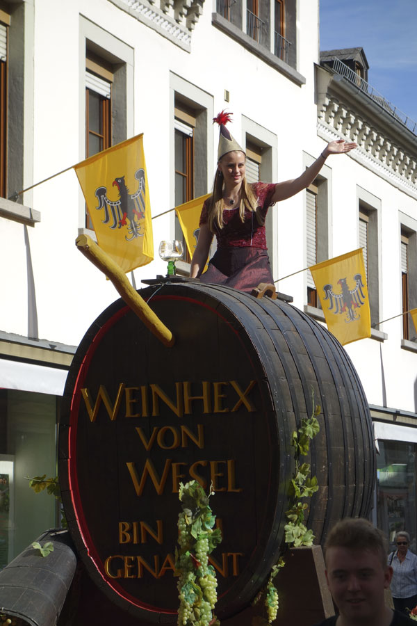 The wine festival parade at Oberwesel in full swing
