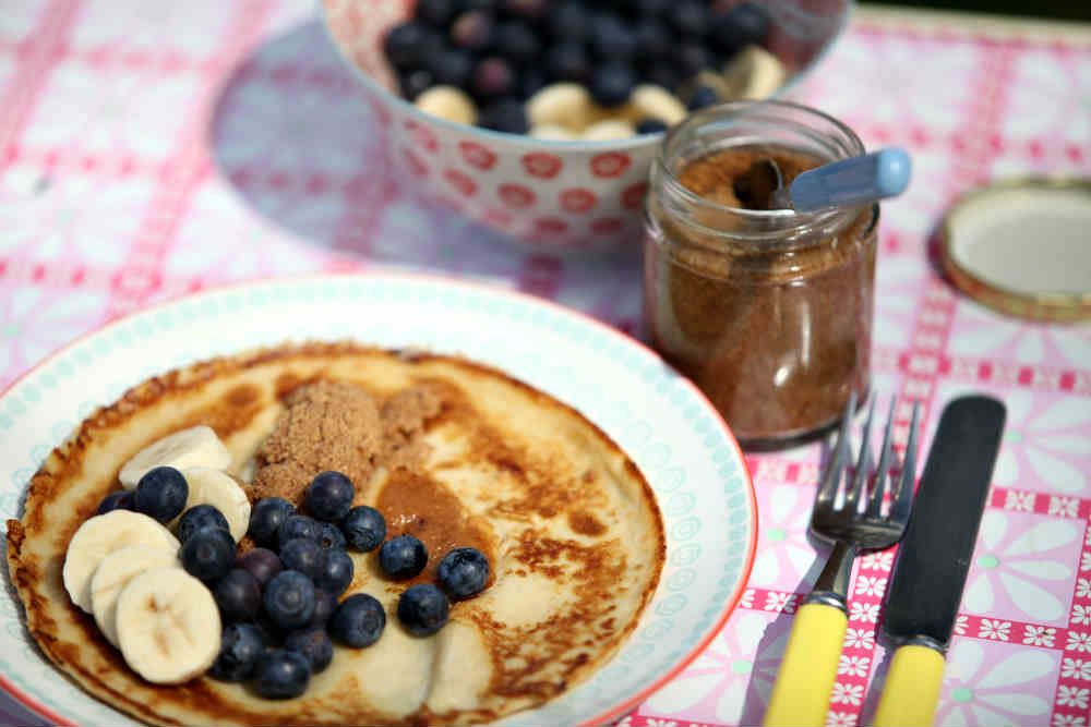 cinnamon crepes with blueberries and bananas