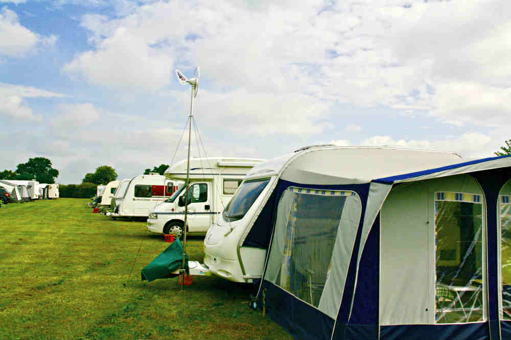 first test with the wind turbine on the caravan