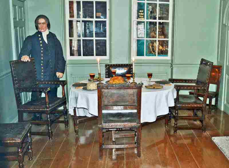 Captain Cook dining room